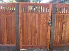 Building A Redwood Fence Http Timbertownaustin Com Wood