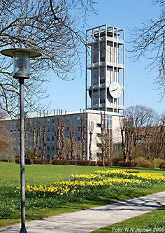 Aarhus City Hall designed by Arne Jacobsen Aarhus, Copenhagen Hotel, Egyptian Temple, Study Architecture, Hall Design, Houses Of Parliament, Famous Architects, Arne Jacobsen, Street Furniture