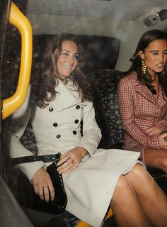 1/9/2008: Kate & Pippa head home after Kate's 26th birthday celebration at Kitts nightclub