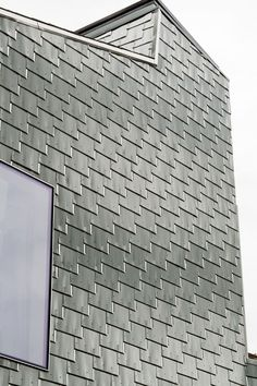 Metal Shingle House, Connecticut, Architect Elijah Huge, Reinke Shakes Recycled Aluminum, Alucobond Blog, Photography by Andrew Rowat