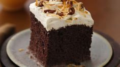 Chocolate Rum Cake Top off a Mexican meal in style with this traditional dessert. Cake mix makes it simple! Chocolate Rum Cake, Mexican Chocolate Cakes, Betty Crocker, Tostadas, Mexican Dishes, Mexican Food Recipes, Cake Recipes, Dessert Recipes, Easy Desserts
