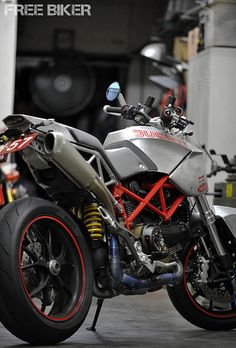 Ducati Scrambler? - looks like a modified Multistrada