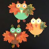 Basteln mit Kindern: Einfache Herbst-Eule mit Naturmaterialien Crafting with children: Simple autumn owl with natural materials Autumn Crafts, Christmas Crafts For Kids, Diy Crafts For Kids, Halloween Crafts, Arts And Crafts, Paper Crafts, Christmas Ornaments, Father's Day Activities, Leaf Art