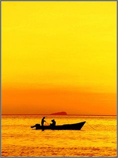 yellow sunset by gycingeniero, via Flickr