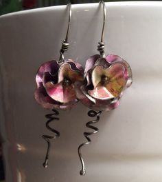 Vintage tin flower dangle earrings. Pink by GreenBirdStudios