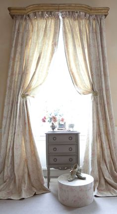 Kate Forman fabrics have a beautiful country feel and a clear French influence, perfect for charming vintage-style curtains, cushions and roman blinds Floral Curtains, White Curtains, Curtains With Blinds, Long Curtains, Roman Blinds, Window Coverings, Window Treatments, Kate Forman, Classic Curtains