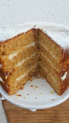 simple mug cake Cakes To Make, How To Make Cake, Food To Make, Köstliche Desserts, Delicious Desserts, Cake Recipes, Dessert Recipes, Bread Cake, Portuguese Recipes