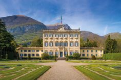 Live like Italian nobility (literally) with immaculate frescos from the 1700s for nearly $40,000 per week