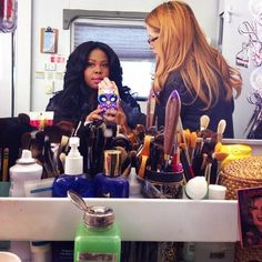 "@MsAmberPRiley ""@trucco613 doing my makeup! She's been here since day 1!!!  #setlife"""