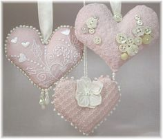 Sweet sachets - stuffed hearts made from embroidery designs
