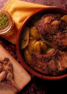 Côtes de porc au four avec pommes de terre Four, Pot Roast, Beef, Ethnic Recipes, Apples, Rib Recipes, Braised Beef, Carne Asada, Meat