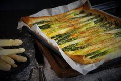 Spargeltarte - Ein dish up Rezept Spanakopita, Sandwiches, Dishes, Ethnic Recipes, Food, Tart, Swiss Guard, Asparagus, Lemon
