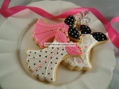 será que são tão gostosos qto bonitos? biscoitos pra chá de cozinha, chá de lingerie, chá de bebê...