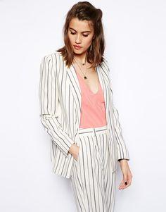 La veste blazer pour femme :15 modèles à avoir dans son dressing