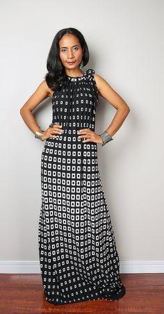 Halter Dress / Black and White Maxi Dress : Elegant by Nuichan