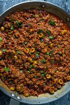 Cuban Picadillo A quick and easy Cuban style picadillo with capers, olives and raisins! Mexican Food Recipes, Beef Recipes, Cooking Recipes, Healthy Recipes, Ethnic Recipes, Cuban Picadillo, Picadillo Recipe, Empanadas, Tostadas