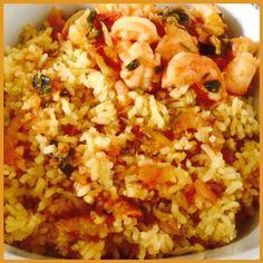 #Suriname Food - Carribean Food  - Moksi Alesi ingrediënten: Rijst, Uien, Knoflook, Madame Jeanette Peper, Pompoen, gedroogde Garnalen en Kokosmelk - Pittige Gamba garnalen Ingrediënten: Uien, Knoflook, Tomaat, Selderij & 3 x Madam Jeanette pepers  (Surinam Moksi Alesi Ingredients: Rice, Onions, Garlic, Madame Jeanette Pepper, Pumpkin, Dried Shrimp and Coconut Milk  Spicy Gamba Shrimp ingredients: Ingredients: Onions, Garlic, Tomato, Celery & 3 x Madam Jeanette Pepper)#
