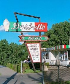 """Dari-ette Drive-In in MN  """"This drive-in is over 60 years old and has a cult following.  The Dari-ette has also been featured on the Food Network's Diners, Drive-Ins and Dives.""""  (Bucket List: Hit some famous spots around my home states)"""