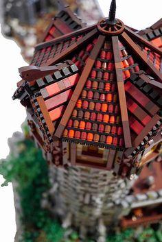 The-Light-closeup- lego roof technique Legos, Lego Lego, Lego Batman, Lego Star, Chateau Lego, Lego Burg, Construction Lego, Lego Sculptures, Lego Boards