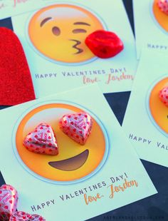 Adorable emoji themed valentine day cards - love how the chocolates were worked into the design Valentines Day Food, Valentine Box, Valentines For Kids, Valentine Day Crafts, Holiday Crafts, Holiday Fun, Valentine Stuff, Valentine Emoji, Cute Valentine Ideas