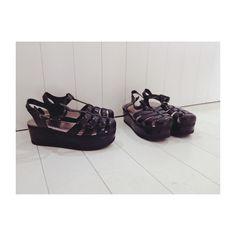 Llegaron las #jelly plataformas a la boutique chicas.. #loveshoes #cancun #shoppingcancun #tendencias #zapatosverano14 #summer