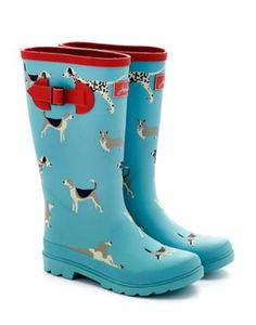 Joules Girls Printed Welly, Turquoise Dog.                     Bright and hardwearing wellies that are set to make wet weather amazing. There's no better way to puddle-proof your little ones feet. Pair them with our Welly Socks for ultimate comfort.