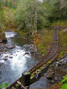 Le chemin de fer abandonné du Tillamook dans l'Oregon