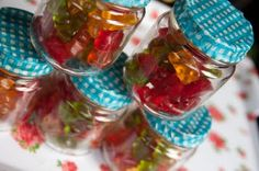 Baby Food Jar Favors- this is super cute!