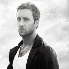 #AlexOloughlin hot pic treat | Alex O´Loughlin ~ An Intense Study