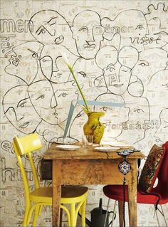 Wallpaper and yellow chair! Interior Walls, Home Interior Design, Interior And Exterior, Interior Decorating, Interior Bohemio, Interior Inspiration, Design Inspiration, Sweet Home, Of Wallpaper
