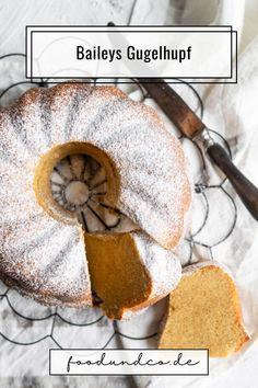 Dieser Baileys Gugelhupf ist wohl der fluffigste, lockerste und saftigste Kuchen überhaupt. Er ist in lediglich 15 Minuten angerührt. #Kuchenbacken #Kuchen #Backen #Gugelhupf #baileys World Recipes, Clean Eating, Germany, Vegetarian, Tasty, Sweets, Healthy Recipes, Homemade, Vegan