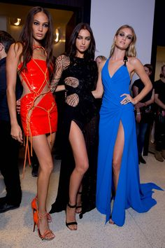 Atelier Versace Joan, Irina, & Rosie backstage