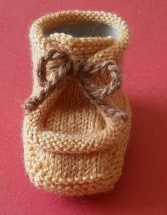 66 Ideas For Crochet Shoes Women Knitting Gestrickte Booties, Knitted Booties, Baby Booties, Knitting For Kids, Baby Knitting Patterns, Crochet For Kids, Crochet Baby Shoes, Knit Crochet, Brei Baby
