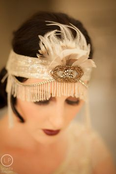 Deco Doll Flapper Headdress by MataHarisDaughter on Etsy Great Gatsby Fashion, 20s Fashion, The Great Gatsby, Art Deco Fashion, Vintage Fashion, Gatsby Style, Flapper Style, Flapper Girls, Flapper Dresses