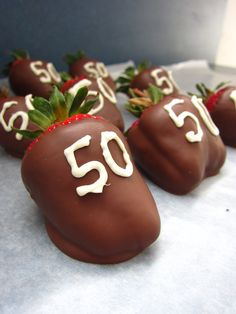 Chocolate dipped strawberries that I made for @Tina Perison   Happy Birthday Mom!!! <3