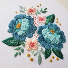 """""""Blue Floral Roses"""" Embroidery Pattern- Instant PDF Download If you need practice with your Satin Stitch then this is the pattern for you! This pattern takes a bit more time than my others, but it makes for a great project to work on while we have all this time at home. I promise you'll love the end result! The different shades of blue work together so beautifully. The best part about embroidery patterns is, you can make it several times in however many colors you want! ✂ Difficulty… Floral Embroidery Patterns, Hand Embroidery Tutorial, Embroidery Flowers Pattern, Simple Embroidery, Hand Embroidery Designs, Brazilian Embroidery Stitches, Rose Embroidery, Embroidered Flowers, Embroidery Fabric"""