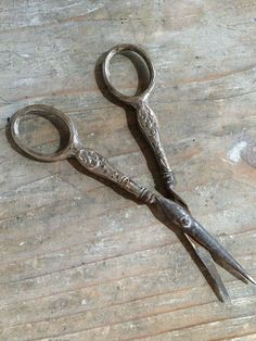 FleaingFrance...Antique Silver Embroidery Scissors