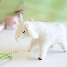 Gluckskafer Gluckskafer felt sheep