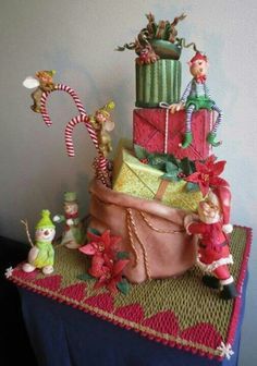 Another Christmas cake (not mine)