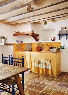 L'appartamento al piano di sotto...: Cucine country chic con un tocco di colore...