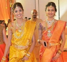 cool Pretty Ladies in Trendy Traditional Jewelry - Jewellery Designs. by post_link South Indian Bridal Jewellery, Indian Jewellery Design, Gold Jewellery, Jewellery Designs, Gold Bangles, Bridal Jewelry, Jewelery, India Jewelry, Gold Necklaces