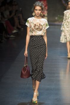 Dolce & Gabbana Spring 2014 RTW - Runway Photos - Fashion Week - Runway, Fashion Shows and Collections - Vogue Look Fashion, Runway Fashion, High Fashion, Fashion Show, Womens Fashion, Fashion Trends, Fashion Black, Trendy Fashion, Fashion Glamour