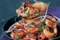 For a tasty seafood dish that's light and refreshing, try this succulent squid dish that's bursting with subtle chili spices. Squid Recipes, Shellfish Recipes, Seafood Recipes, Healthy Eating Recipes, Cooking Recipes, Squid Dishes, Lean Cuisine, Scallop Recipes, Fish Dinner