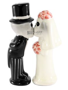 Love Never Dies Salt & Pepper Shakers by Pacific Trading