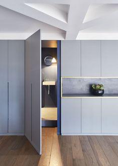 Ideas for hidden door design Wardrobe Design, Built In Wardrobe, Built In Furniture, Bedroom Furniture, Küchen Design, Door Design, Ideas Armario, Hidden Rooms, Hidden Spaces