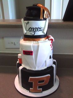 I Like: That each layer of this cake showcases a different accomplishment of this person's life.