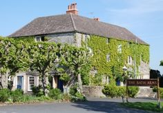 Quirky luxury in rural Wiltshire with a boutique design - includes full English breakfast and optional dinner