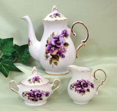 20 oz Teapot with Cream and Sugar Set USA Hand Decorated Porcelain - Roses And Teacups  - 1