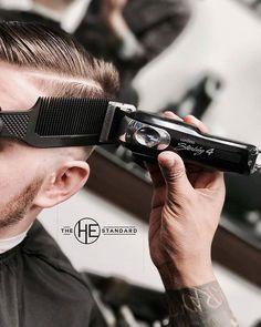 Barber Man, Best Barber, Barber Shop Pictures, Barber Poster, Beard Maintenance, Barber Clippers, Hair And Beard Styles, Hair Styles, Barber Apron