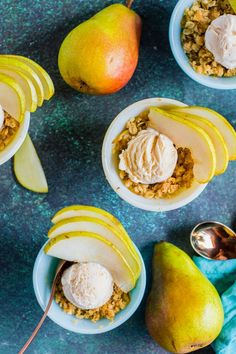 Save the recipe! Pear Crisp, Apple Crisp, Single Serve Desserts, Small Baking Dish, Cooking For One, Best Dishes, Recipe Of The Day, Pretzel Bites, Oven